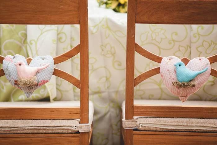casamento-vale-verde-cadeiras-noivos