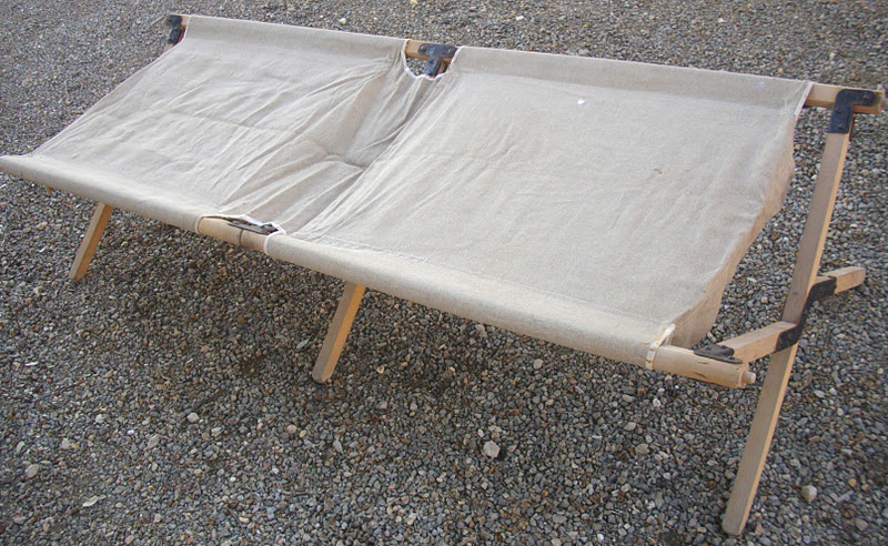 ancien lit picot militaria arm e. Black Bedroom Furniture Sets. Home Design Ideas