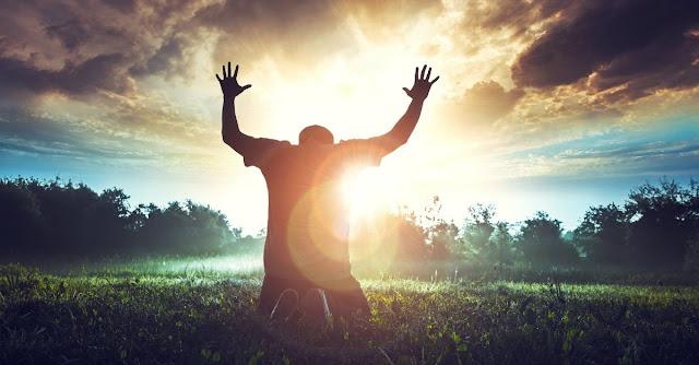 O mundo quer que sejamos felizes hoje, mas Deus quer que sejamos felizes por toda eternidade.