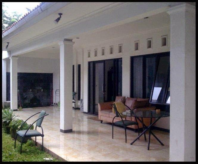 Thiết kế kết hợp màu sơn sân thượng nhà tối giản