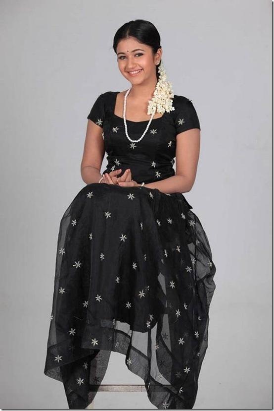 South Mp3 Poonam Bajwa Sexy Hot Stills-5670