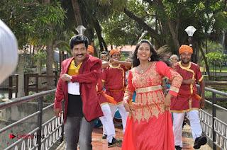 Ennodu Nee Irundhaal Tamil Movie Gallery  0008.jpg