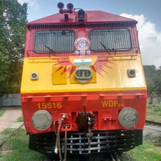 Tejas Express Loco wonderfully painted by Kalyan Diesel Loco Shed
