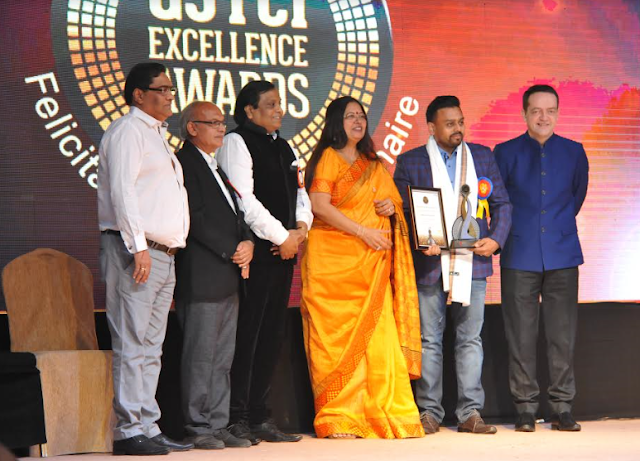 Award receiving by Mr. Ketan Chokshi.