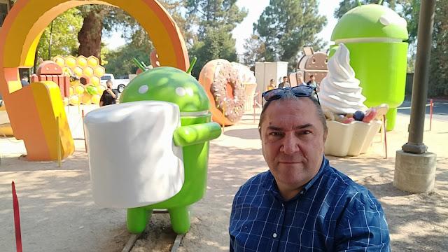 De visita y reuniones en Google, fotos con los estudiantes