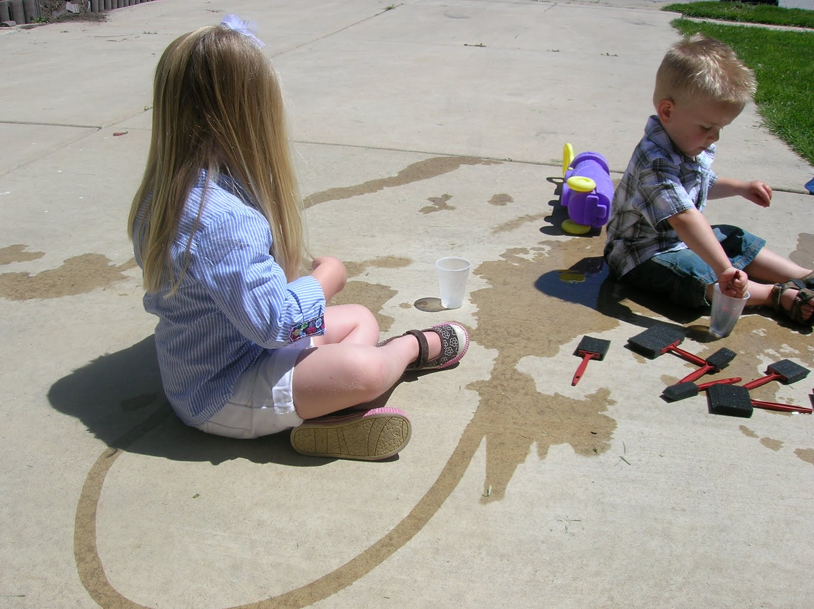 Painting The Sidewalk With WATER Six Sisters Stuff