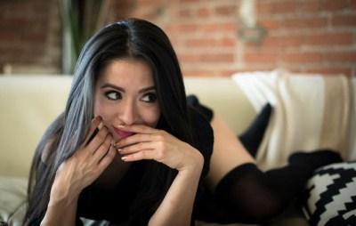 Pemeran Camille di Bridges of Love