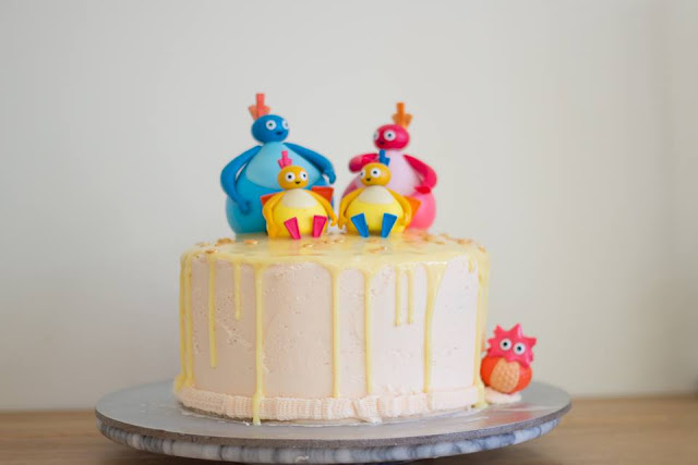 Twirlywoos kids babies 1st first birthday party cake drip