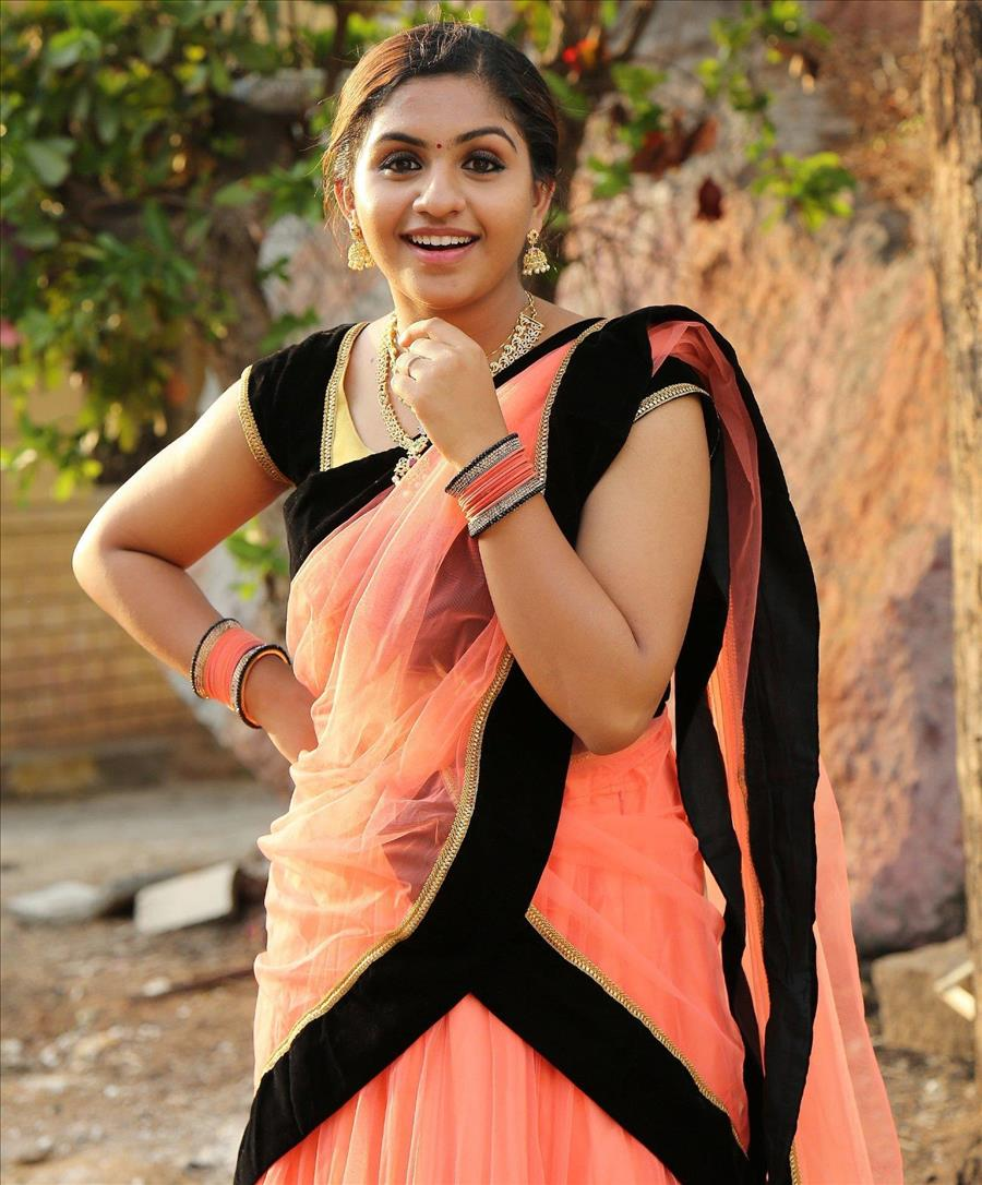 Glamorous Indian Model Noorin Shereef In Pink Lehenga Choli