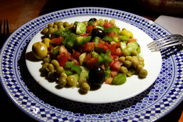 Ensalada marroquí en la cena del Auberge Café du sud