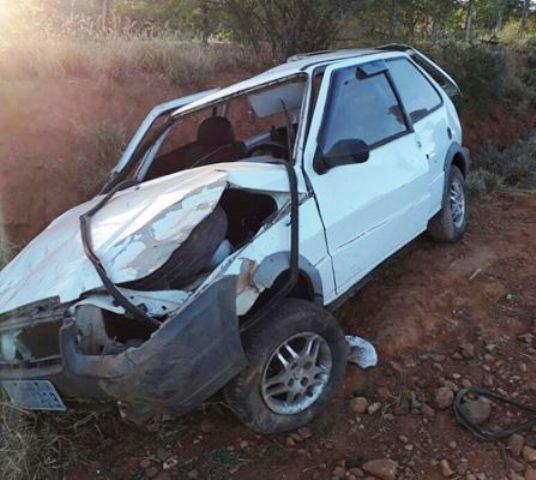 PM de Tanhaçu capota veículo na BA–142, após retornar do trabalho em Ibicoara