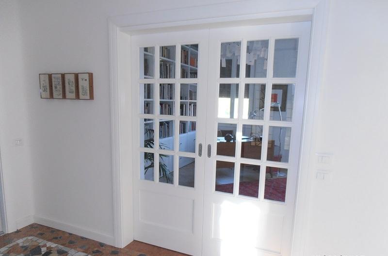 Assi Di Legno In Inglese : Boiserie e cucine su misura boiserie libreria in legno bianco