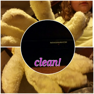 cleaning with the   e-cloth High Performance Dusting & Cleaning Glove
