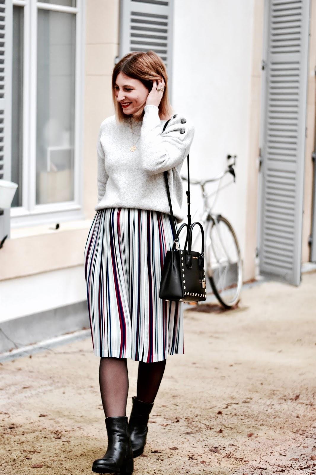 Look femme hiver : pull nafnaf et jupe midi