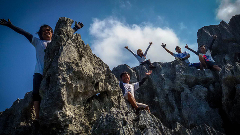 Climbers having fun on top of Mt. Sipit Ulang rock formation