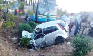Dois carros em acidente