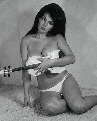 http://ojumeta.tumblr.com/post/158359434302/ficheras-mexican-showgirl-olga-breeskin-early