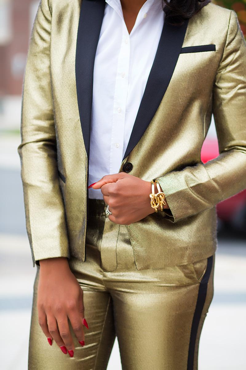 Bold suit, Christmas party, www.jadore-fashion.com
