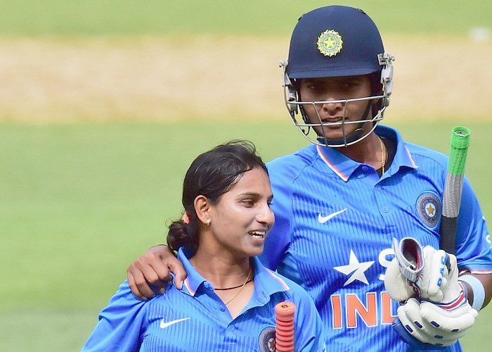 women-cricket-team-of-india-win-in-adelade