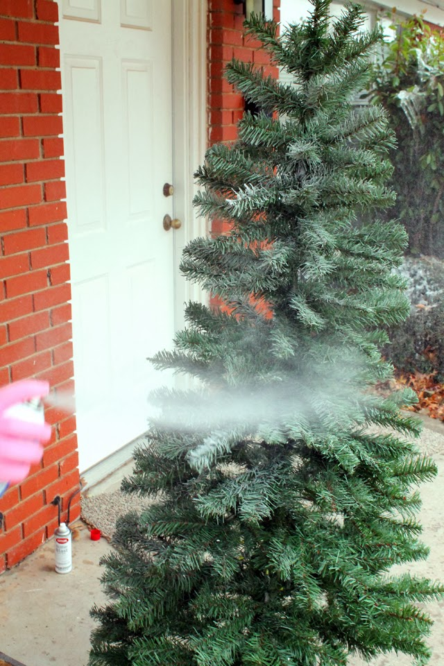 Christmas Tree Spray Snow.Punk Projects Snow Frosted Christmas Tree Diy