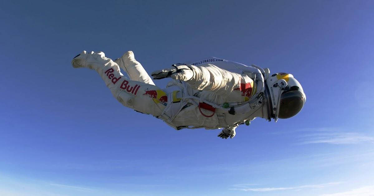 Desktop Wallpaper Felix Baumgartner Redbull Skydiving