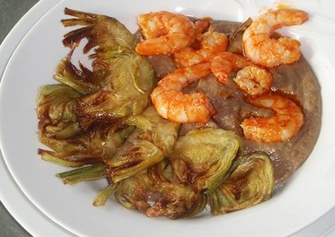 Alcachofas fritas con langostinos