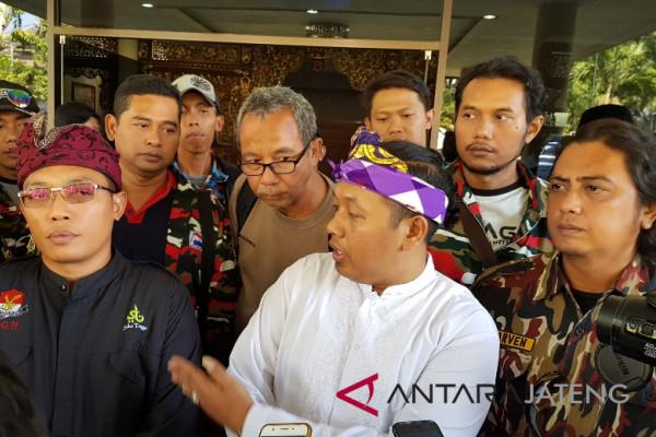 Ormas PGN Ancam Bubarkan Pengajian Jika Ustaz Somad Tak Nyanyi Indonesia Raya