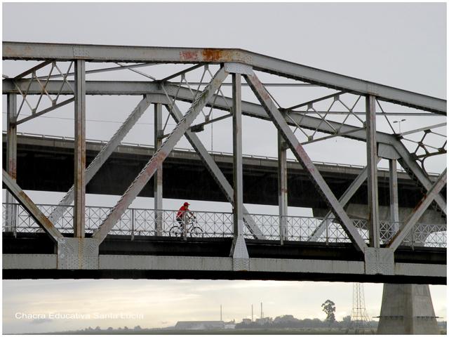 Puente del Río Santa Lucía - Chacra Educativa Santa Lucía