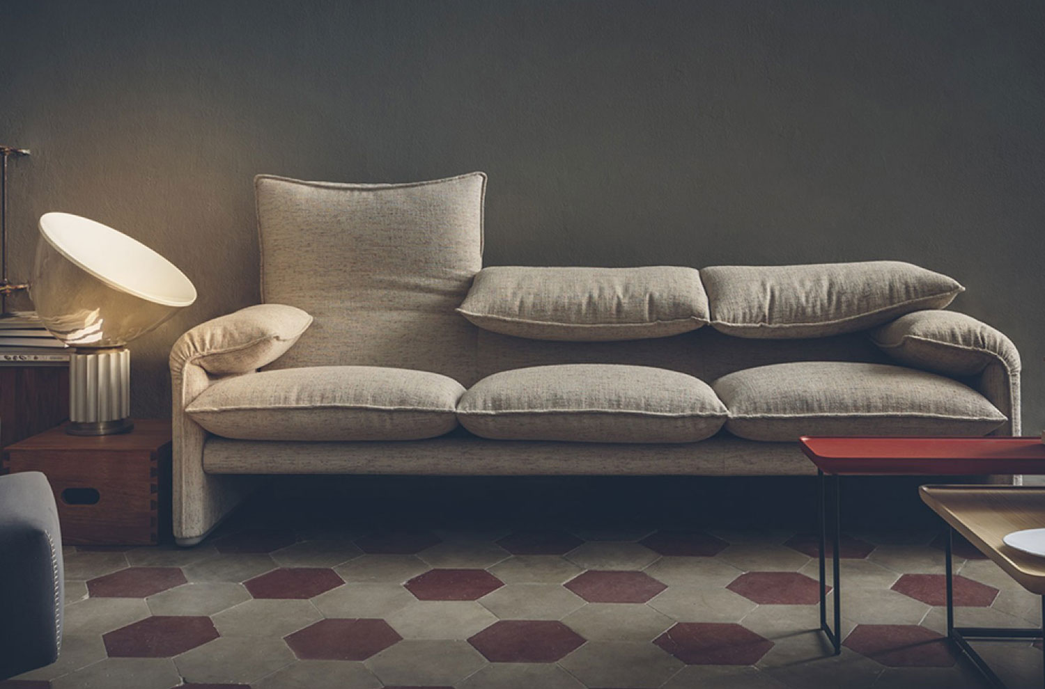 Must Have Vintage Sofas Of The 1970s 1980s Design Seeker