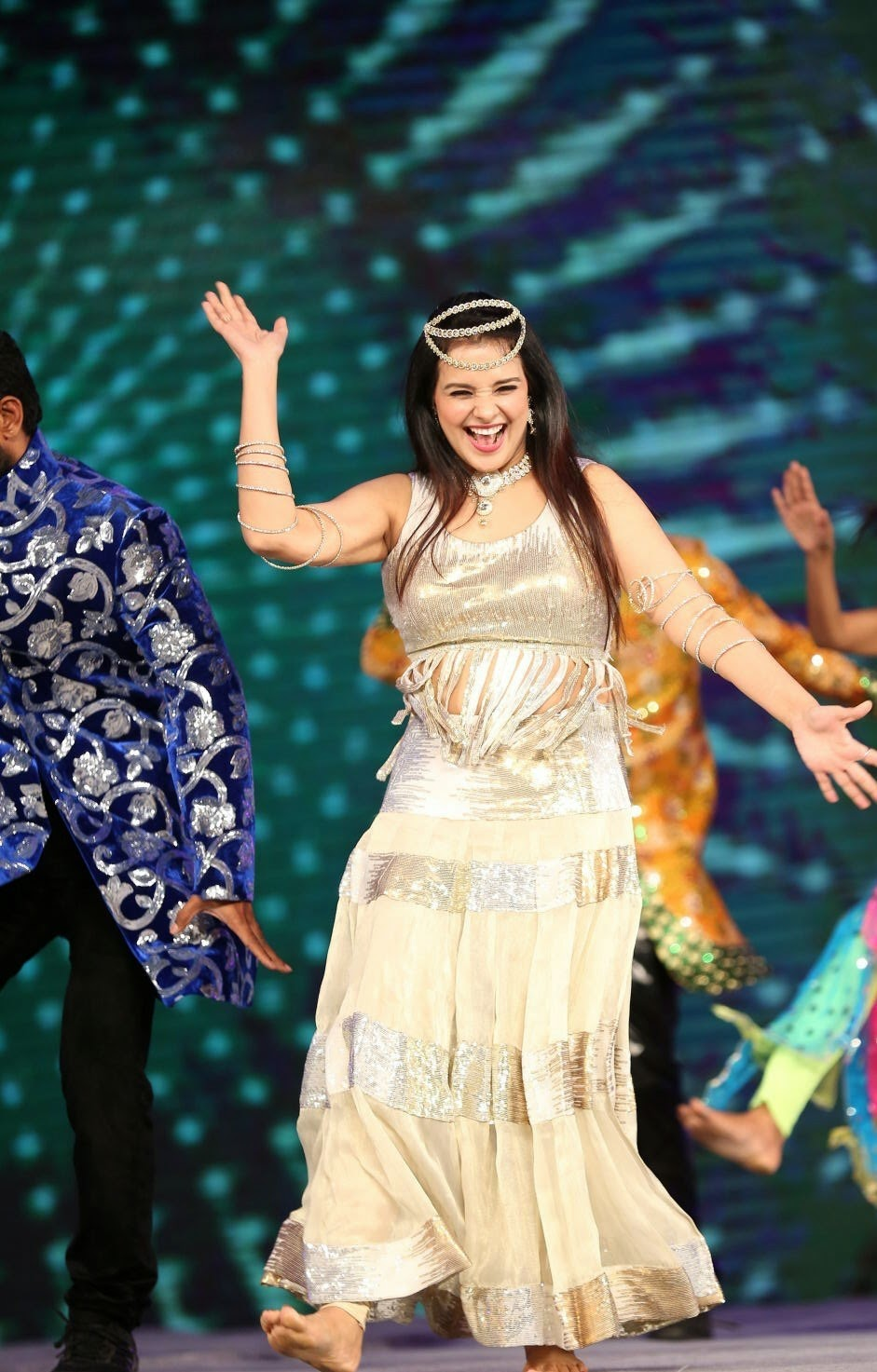 Saloni Hot Dance Performance At Gama Awards