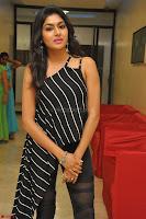 Akshida in Black Tank Top at Kalamandir Foundation 7th anniversary Celebrations ~  Actress Galleries 041.JPG