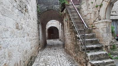 vie di Trogir