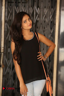 Actress Shreya Vyas Latest Pictures in Ripped Jeans Kevvu Kabaddi Tournament Press Meet  0070