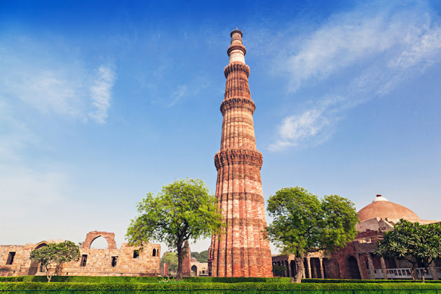 Qutb Minar,Most Famous Towers in the World