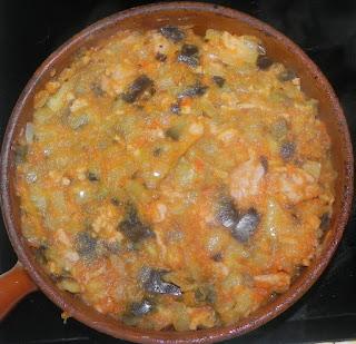 berenjena con carne y tomate
