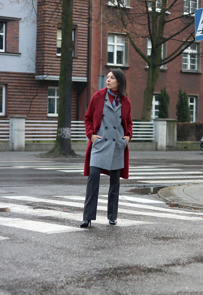 bordowy płaszcz blog modowy 2018