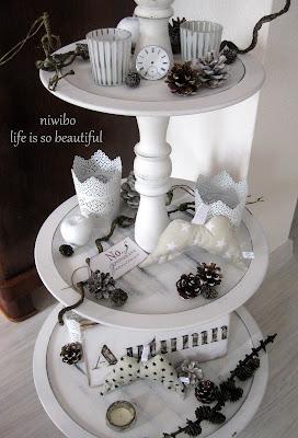 niwibo life is so beautiful tilda n hen und deko mit l rchenzweigen. Black Bedroom Furniture Sets. Home Design Ideas
