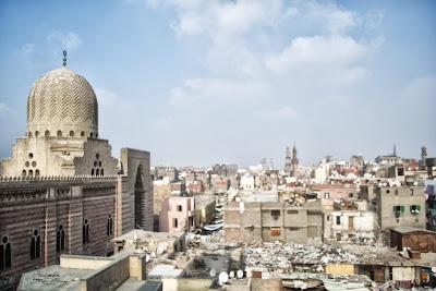 مسجد المؤيد شيخ وجزء من شارع الغورية من فوق مأذنة باب زويلة.