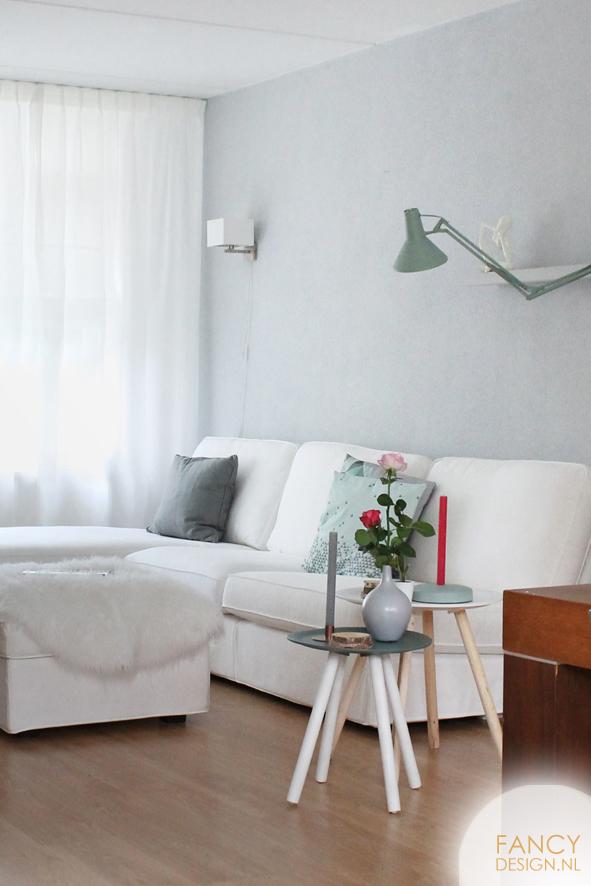 Fancy design blog make over woonkamer for Lichtgrijze muur