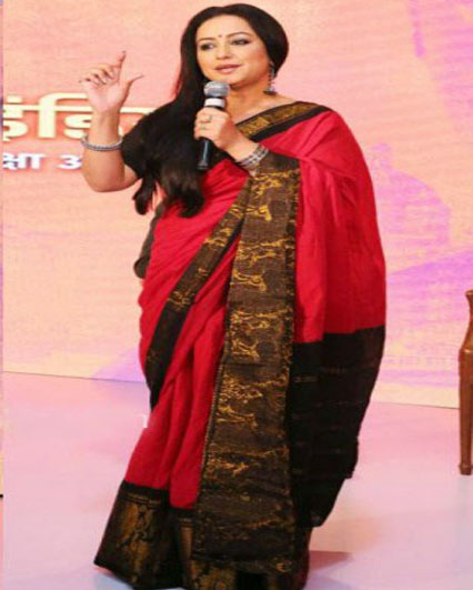 Divya Dutta in Traditional Saree At the Press Conference of Savdhan India
