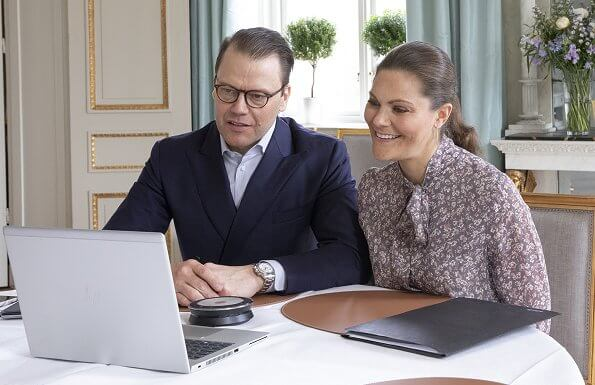 Crown Princess Victoria and Prince Daniel. Crown Princess Mette-Marit wore a flying bird print dress by Pia Tjelta
