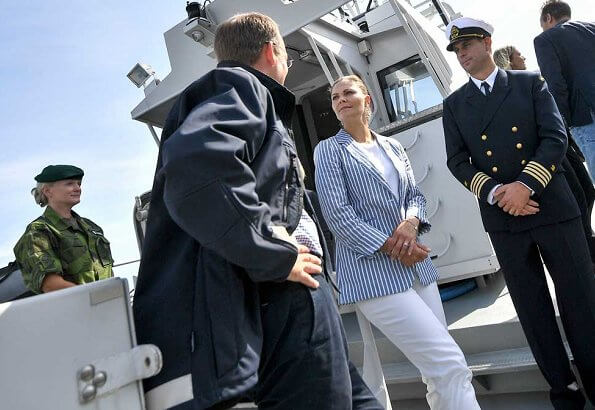 Crown Princess Victoria wore Lexington Kavaj frida llinen blazer, Rizzo Altea pumps an a white trousers