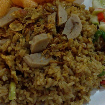 http://weresepmasakan.blogspot.com/2016/03/resep-nasi-goreng-bakso-spesial.html