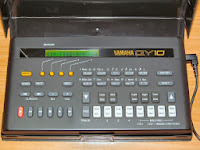 QY10 home studio music synthesiser