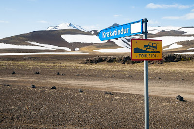 Llegar a Landmannalaugar: ¿en coche o en bus?