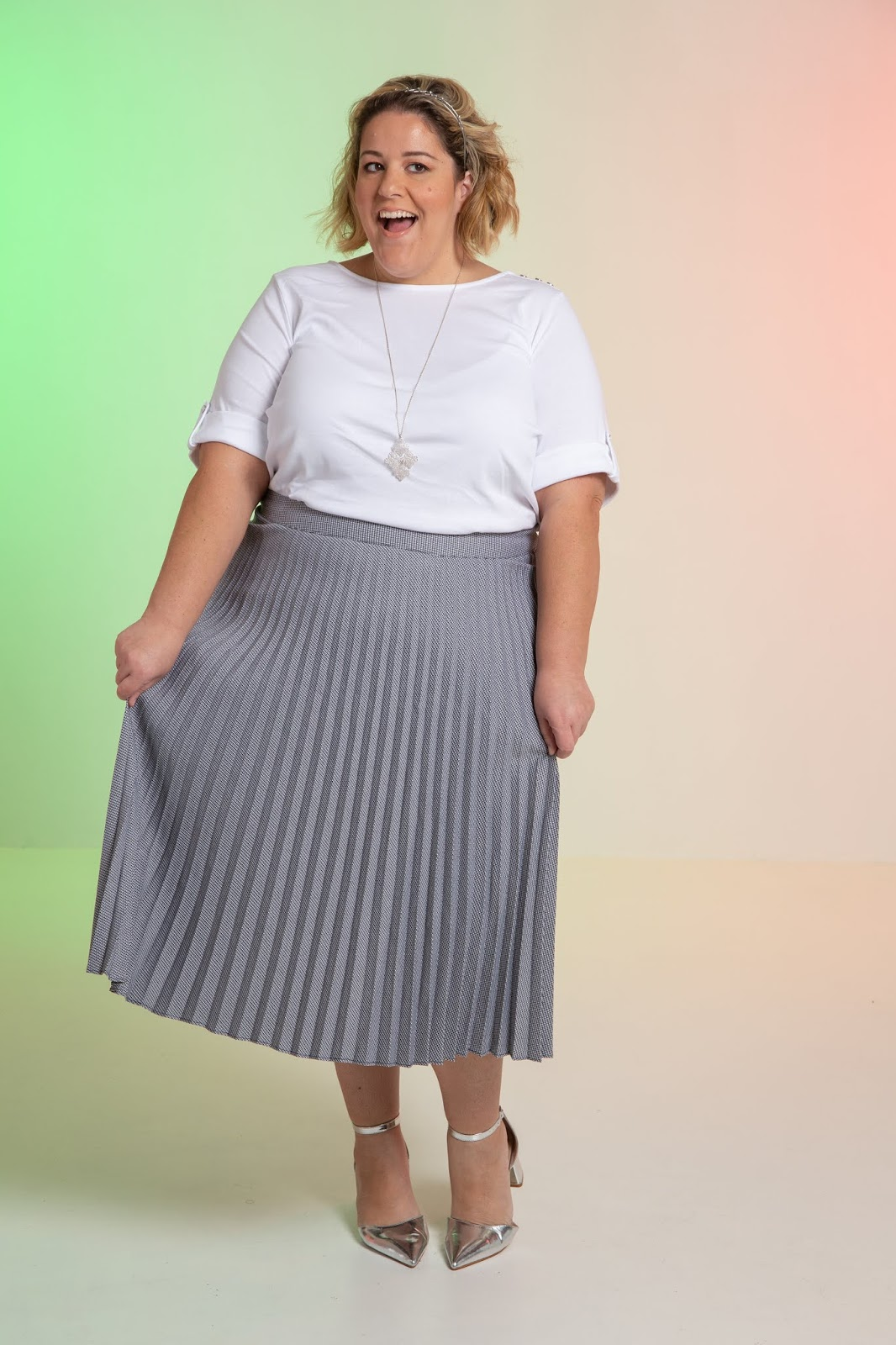 6fdb9f48439 Rule  Never don t buy the pleated skirt. It s a purchase you can NEVER  regret. Honestly