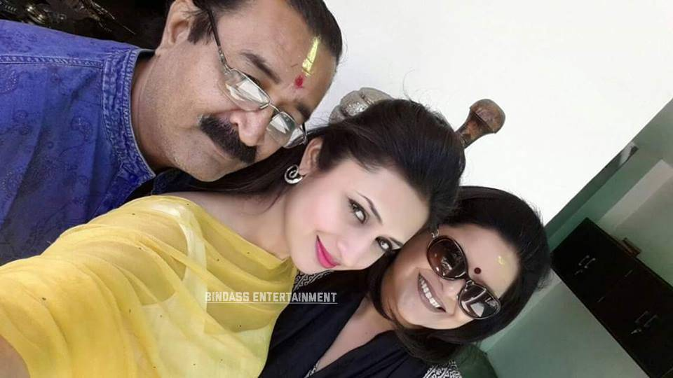 divyanka tripathi family 1