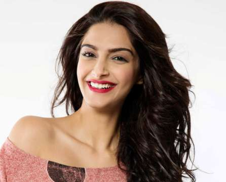 Sonam Kapoor Wiki, Height, Weight, Age, Husband, Family and Biography