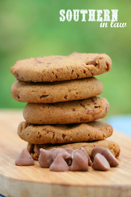 The Best Vegan Chocolate Chip Cookies Recipe – low fat, gluten free, vegan, refined sugar free, dairy free, egg free, nut free,  clean eating desserts