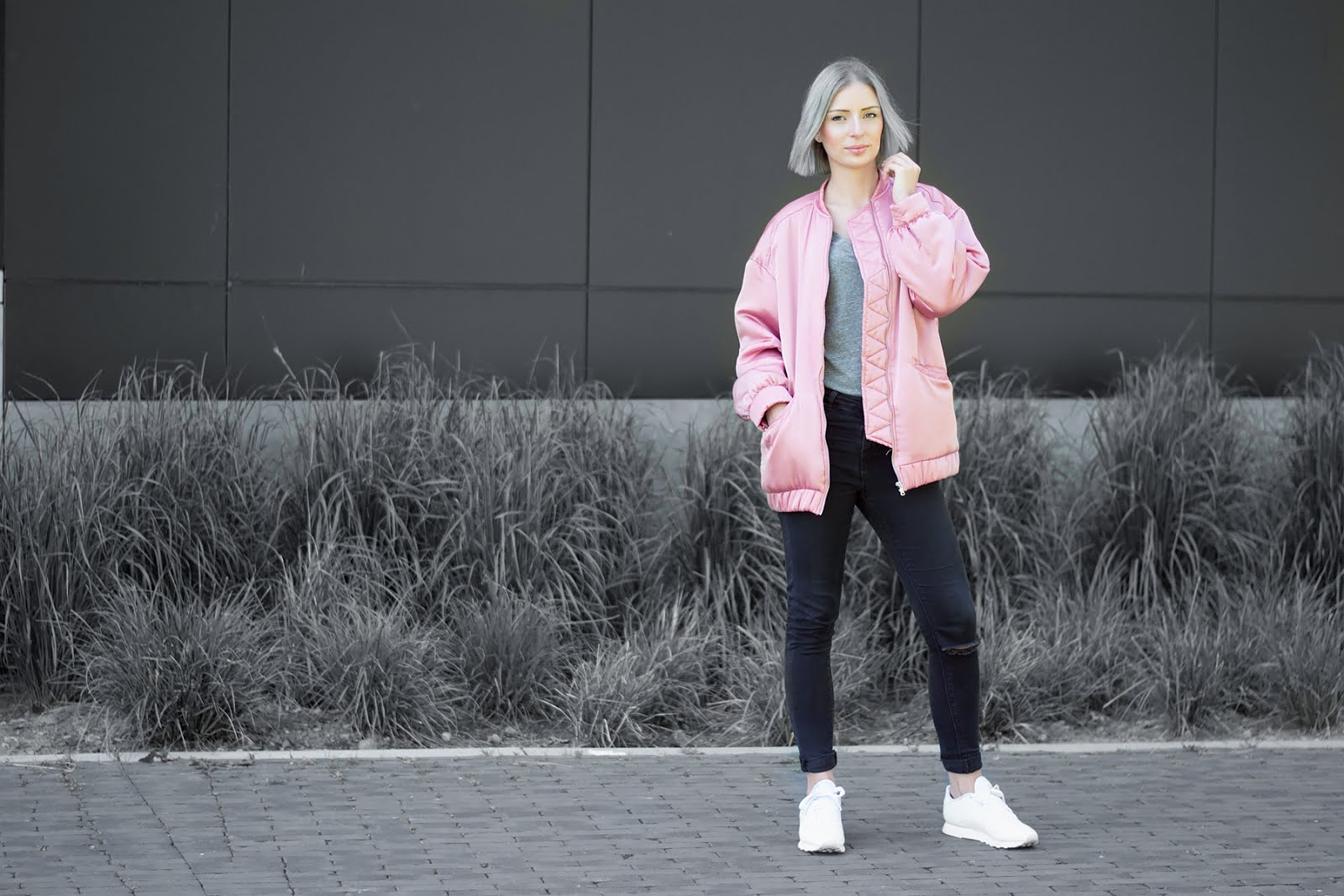 Mango pink satin oversized bomber jacket, h&m divided basic v neck tshirt in grey, asos ridley skinny jeans, reebok classic white sneakers, outfit